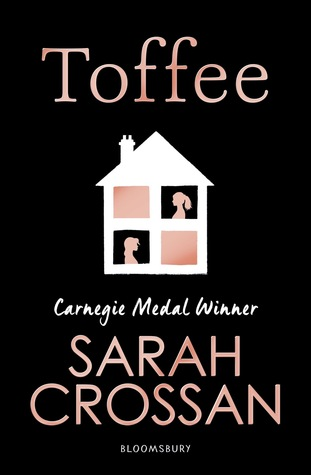 #BookReview: Toffee by Sarah Crossan | 𝘎𝘳𝘪𝘱𝘱𝘪𝘯𝘨, 𝘱𝘰𝘸𝘦𝘳𝘧𝘶𝘭, 𝘢𝘯𝘥 𝘶𝘯𝘢𝘧𝘳𝘢𝘪𝘥. @KidsBloomsbury